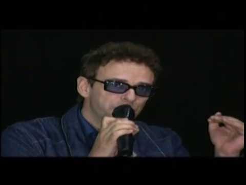 Gustavo Cerati video 11 Episodios Sinfónicos - Conferencia de Prensa 2001