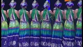 Download Video 《呼唤绿荫》 {民族群舞} - 第五届CCTV舞蹈大赛 MP3 3GP MP4