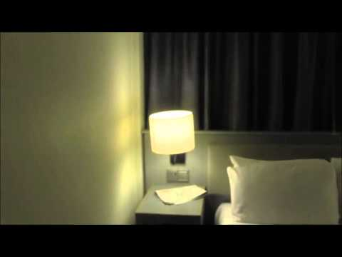 Hotel Room Review   Holiday Inn 462 Coram Street London UK