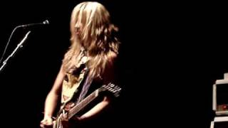 The Donnas - Allison Robertson - wasted solo