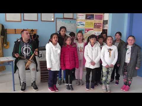 «Την πατρίδα μ' έχασα» τραγουδούν μικρά παιδιά στην Προσοτσάνη