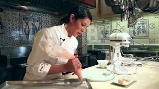 How to Make French Macarons: Easy Macaron Recipe Baking Demonstration Tutorial (not Macaroons)