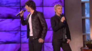"Josh Groban and Ellen Sing ""Total Eclipse of the Heart!"""