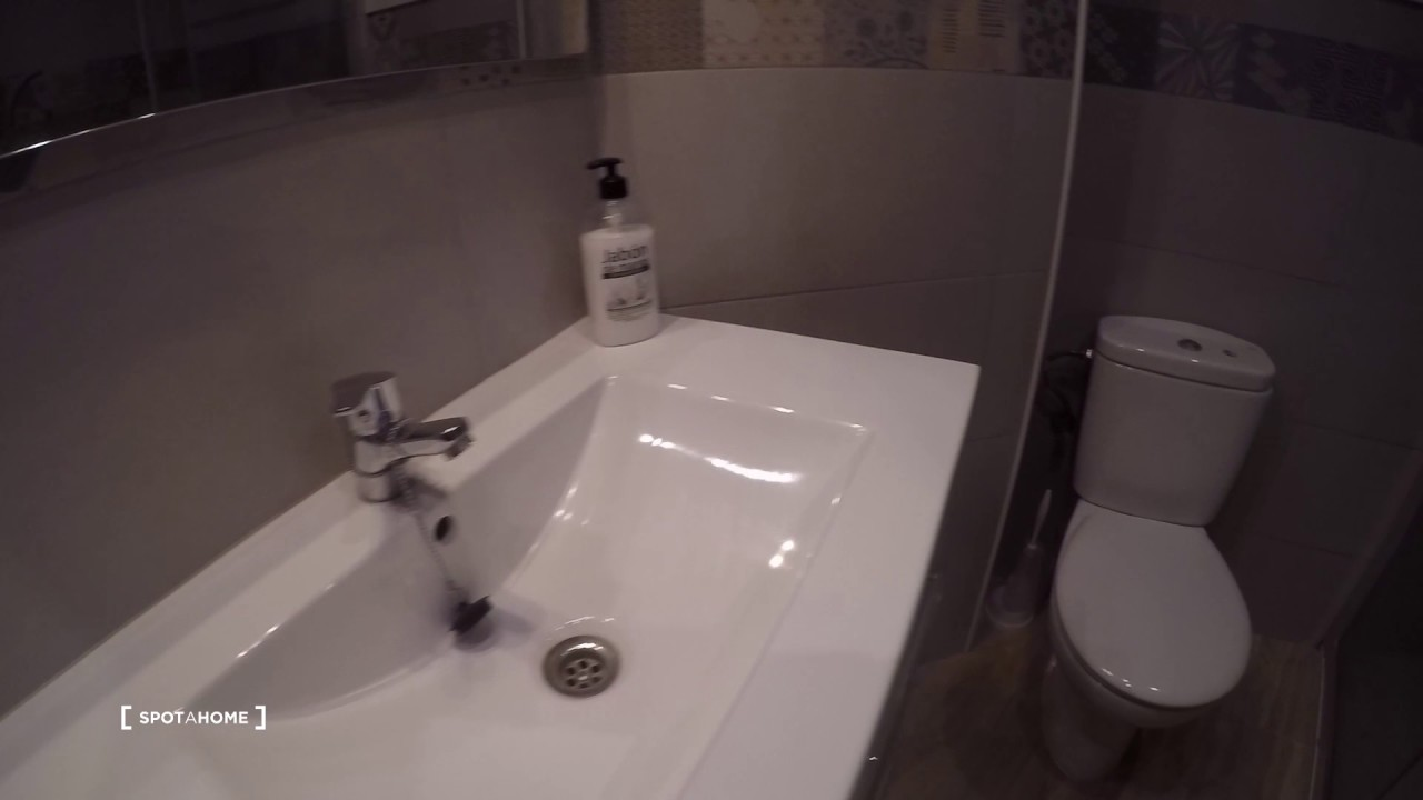 Rooms for rent in large 3-bedroom apartment in Trauko, Bilbao