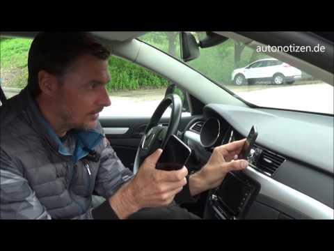 Zubehör im Test: Smartphone-Halterung und USB-Adapter für das Auto
