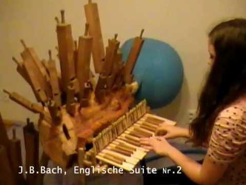 J.S.Bach auf der aufblasbaren Baumorgel