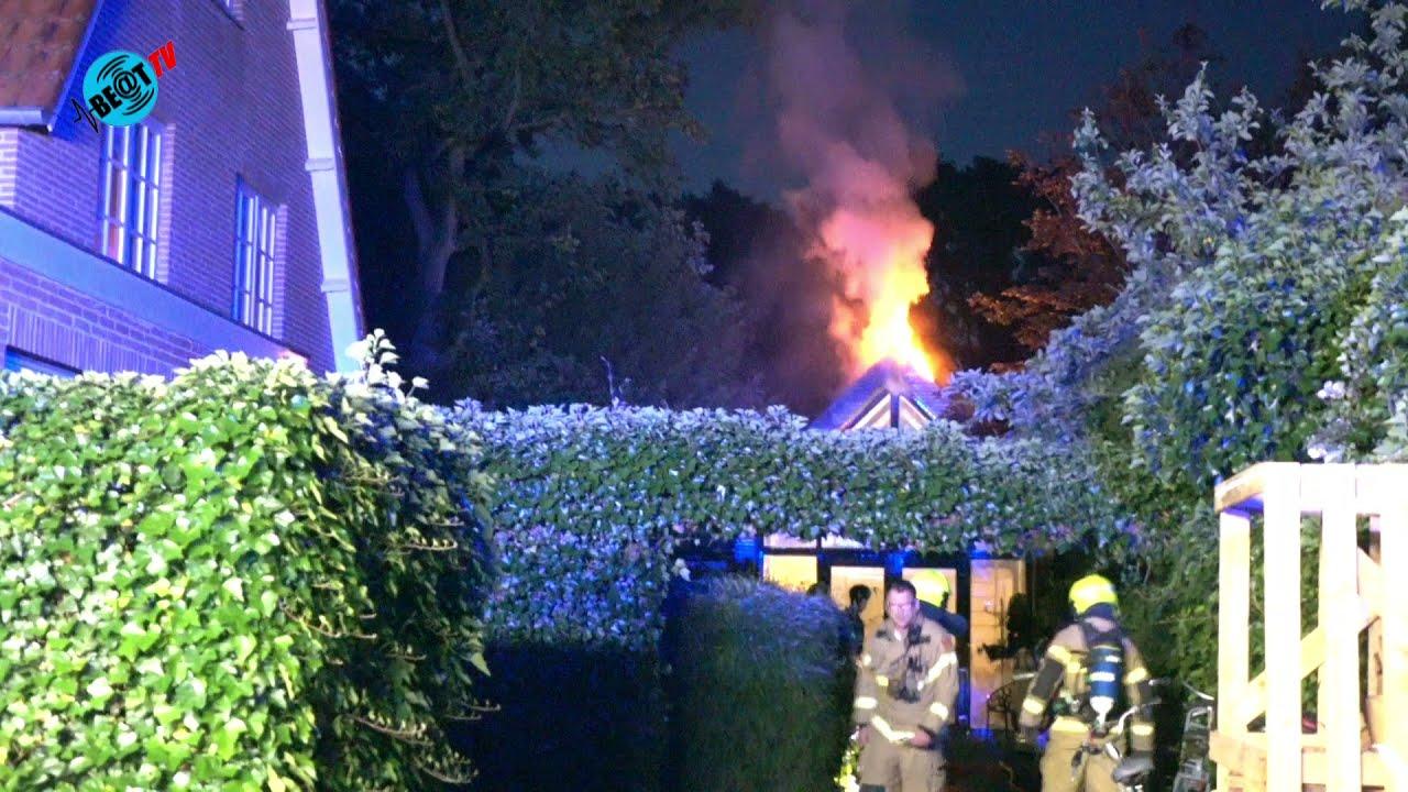 Brand in zomerhuis aan Kerkelaan in Bergen (11 juli 2021)