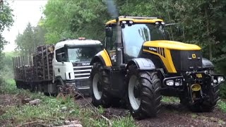 JCB Fastrac 8250 With Stuck Lorry