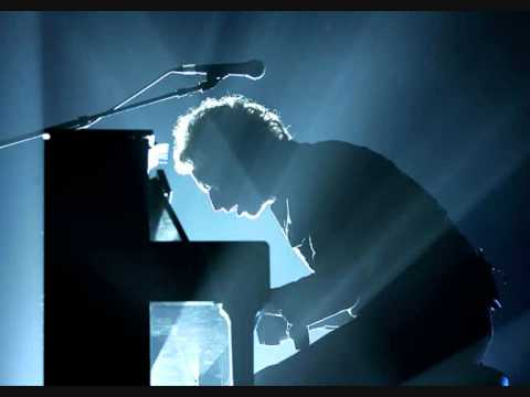 Coldplay - Now My Feet Won't Touch The Ground (Lyrics)