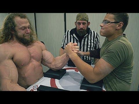 Bodybuilder vs Arm Wrestler