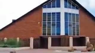 Umfundisi untshebe wase whole gun church