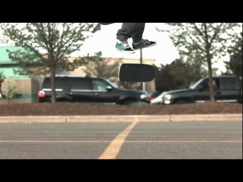 Skateology: kickflip (1000 fps slow motion)