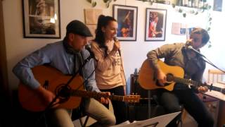 Video Sansa acoustic band presents