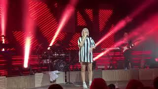 Anne-Marie -Trigger live @ Tour München 03.05.2019