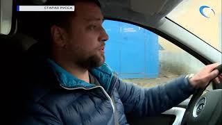 Медучреждениям Старорусского района вручили ключи от новых автомобилей неотложной помощи