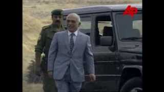 preview picture of video 'King Hussein meets Helmut Kohl and Yitzhak Rabin June 1995'