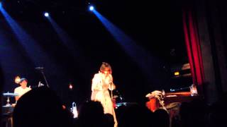 Bat For Lashes - Lilies - Paris, Le Trianon, 25.11.2012
