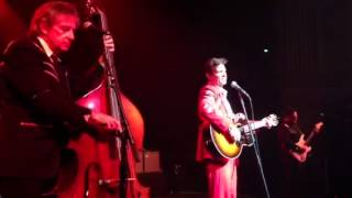 Chris Isaak - The Ring Of Fire