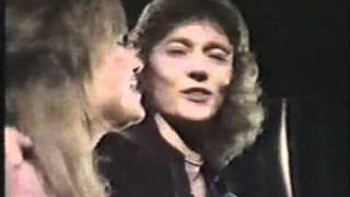 Suzi Quatro Chris Norman Stumbeling in Video