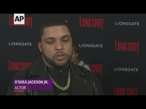 Actor O'Shea Jackson Jr. says late director John Singleton was an part of his family and they've all suffered a great loss. (May 1)