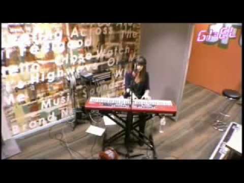 Laura Jansen - Use Somebody Live @ 3fm Giel