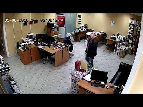 Пример видео с камеры DS-I214 Hiwatch днем в офисе