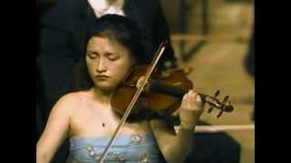 Kyung Wha Chung plays Bach Partita No.2 Sarabande