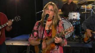 <b>Terri Hendrix</b> Performs Slow Down On The Texas Music Scene