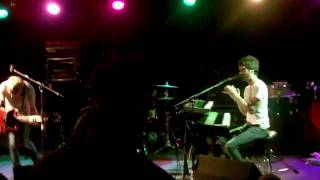 """Jukebox the Ghost performing """"Hold It In"""" in St. Louis on 6-26-10"""