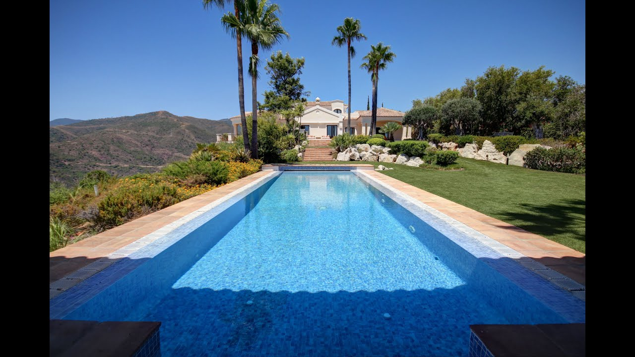 Superb stately villa with panoramic sea and mountain views for sale in Monte Mayor, Benahavis