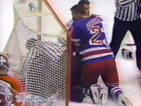 Eric Lindros vs. Jeff Beukeboom
