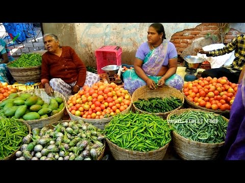 , title : 'INDIAN FARMERS MARKET || Fresh Fruit and Vegetables || Selling and Buying ~ VAGMI FOODS