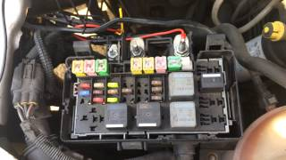 Explanation on how to install an ABAX4-unit in a Ford Transit 2003 - 2013.