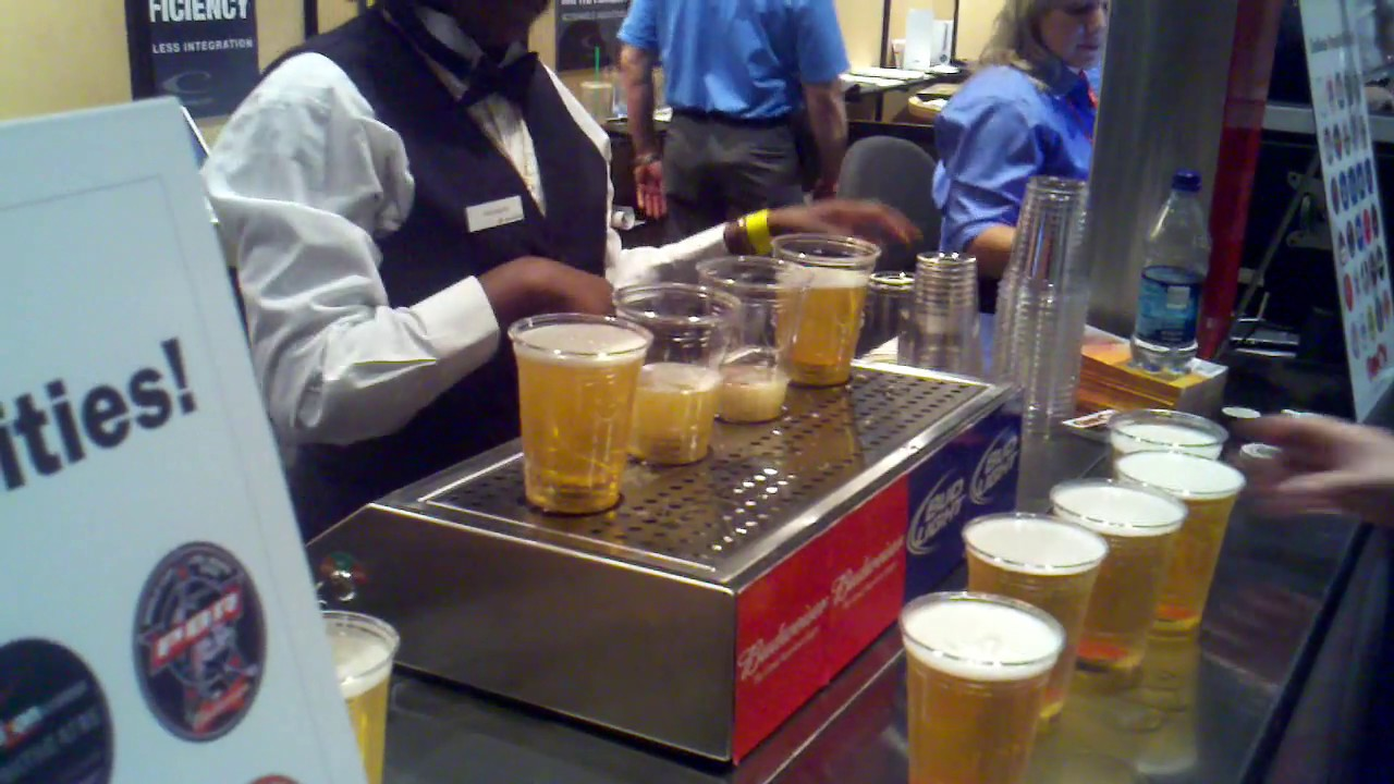 This Machine Fills Up Beer From The Bottom Of The Glass