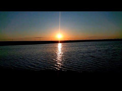 Vlog:Покупки.На детской площадке.Приехали на наше озеро.Супер закат!
