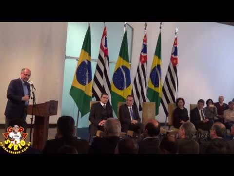 Governador Geraldo Alckmin participa de assinatura de convênios