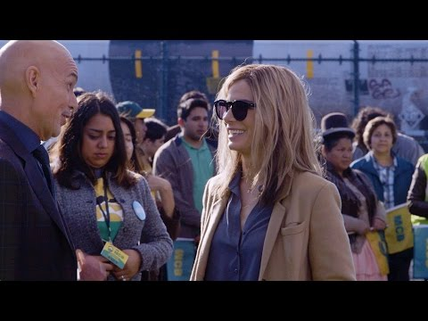 Our Brand Is Crisis Our Brand Is Crisis (Featurette 'Sandra Bullock Is Jane Bodine')