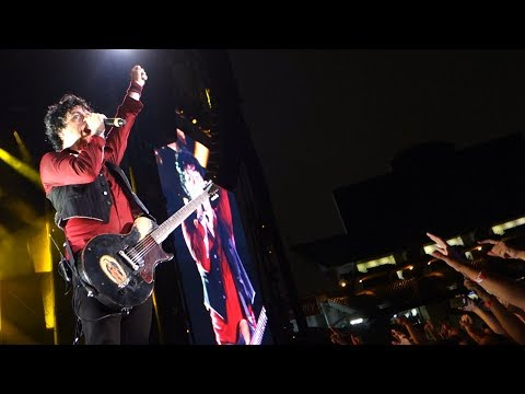 Green Day - Jesus of Suburbia – Live in Oakland