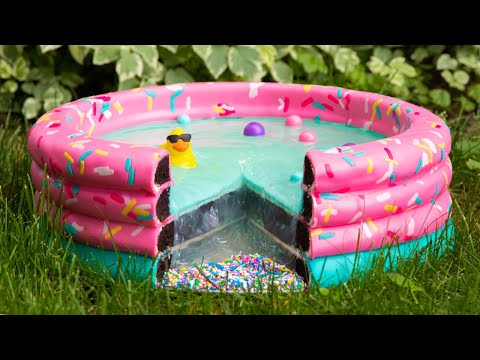 WOW: This Woman Made A Swimming Pool Cake