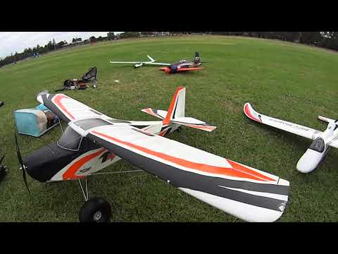 rc-action-v900-eflite-horizon-at-top-speed