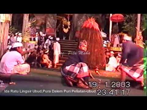 Ratu Sakti Ubud ring Pura Dalem Puri Ubud