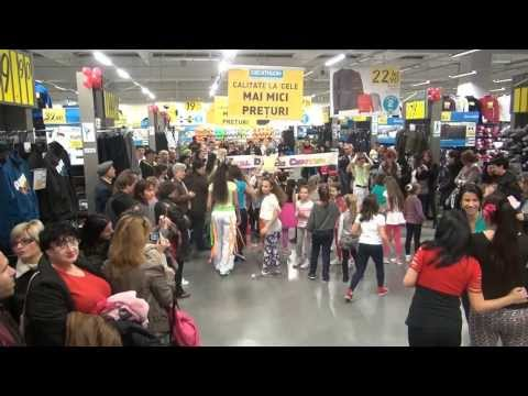 Zumba Show by Total Dance Center @ Decathlon 2013 - Bucket (Zumba Kids)