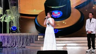 Kathryn Bernardo tied with Sarah Geronimo for Best Actress at the 35th Star Awards for Movies