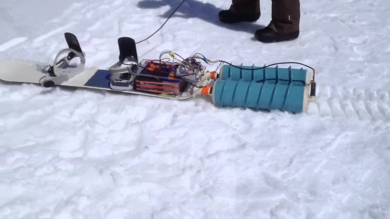 A Self-Propelled Snowboard Makes Going Uphill Just As Fun