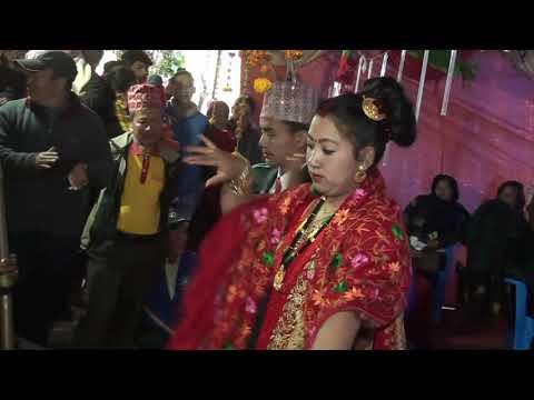 बिहेवारीमा गाइने टिपिकल नेपाली भाषाको ठेट 'मायाली' गीत सुनौ न ल ! typical Nepali folk song !