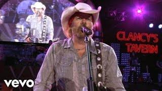 Toby Keith – I Like Girls That Drink Beer