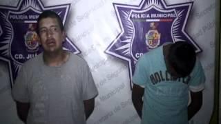 Detienen Agentes Municipales A Dos Con Droga, Un Es Menor De Edad