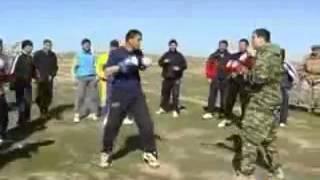 Казахские парни научили ВДВ как надо драться