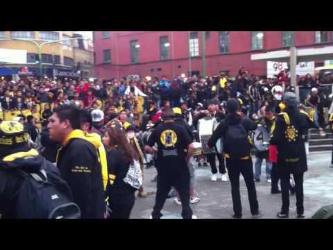 """Previa hinchada The strongest (Bolivia)"" Barra: La Gloriosa Ultra Sur 34 • Club: The Strongest"