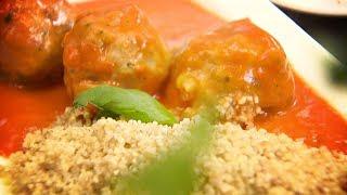 Rączka gotuje - domowy budyń waniliowy, pulpety w sosie pomidorowym, barszcz zabielany z fasolą